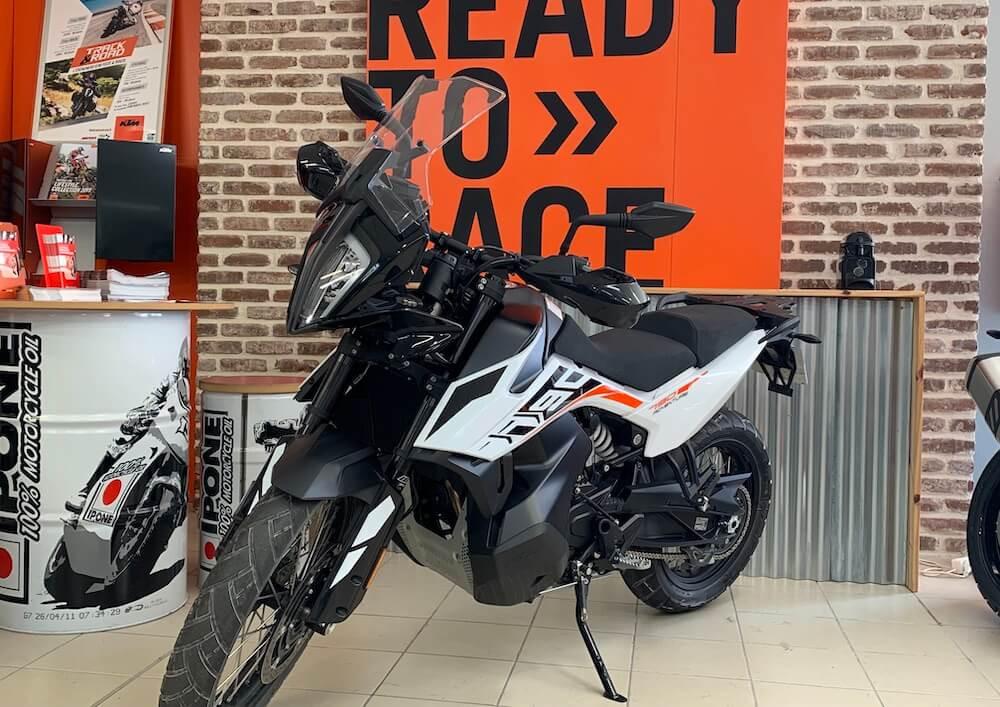 Les Sables d'Olonne KTM 890 Adventure 2021 motorcycle rental 15922