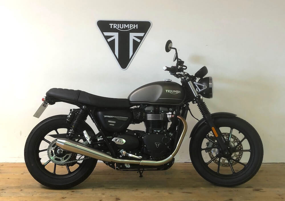 Strasbourg Triumph Street Twin A2 motorcycle rental 14815