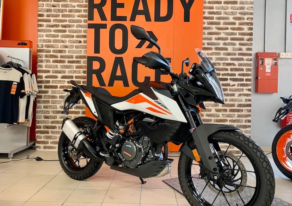 Les Sables d'Olonne KTM 390 Adventure A2 2021 motorcycle rental 15927