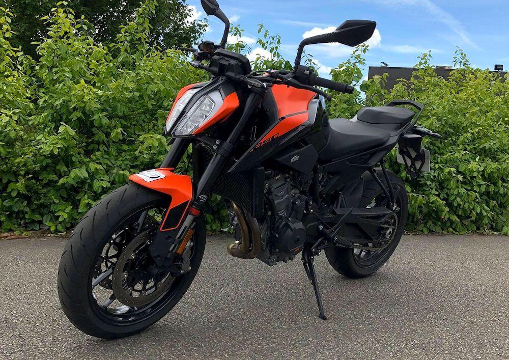 Quimper Ktm 890 Duke L A2 motorcycle rental 14504
