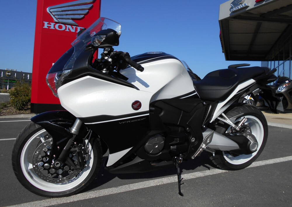 rent honda vfr 1200 la rochelle easy renter. Black Bedroom Furniture Sets. Home Design Ideas