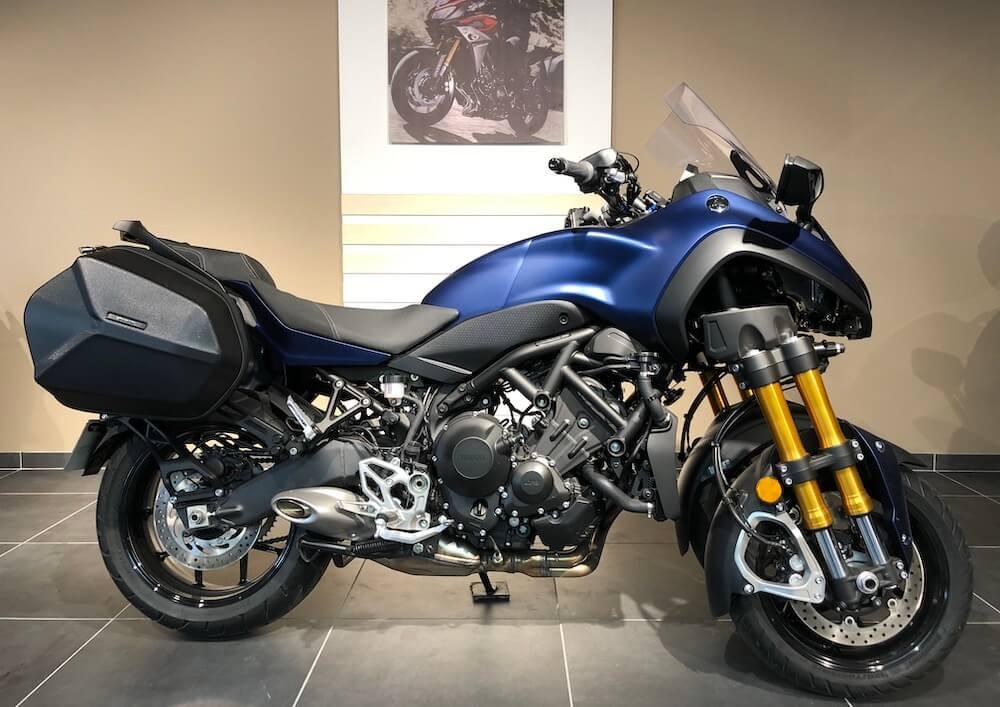 Manosque Yamaha Niken 900 GT motorcycle rental 14406