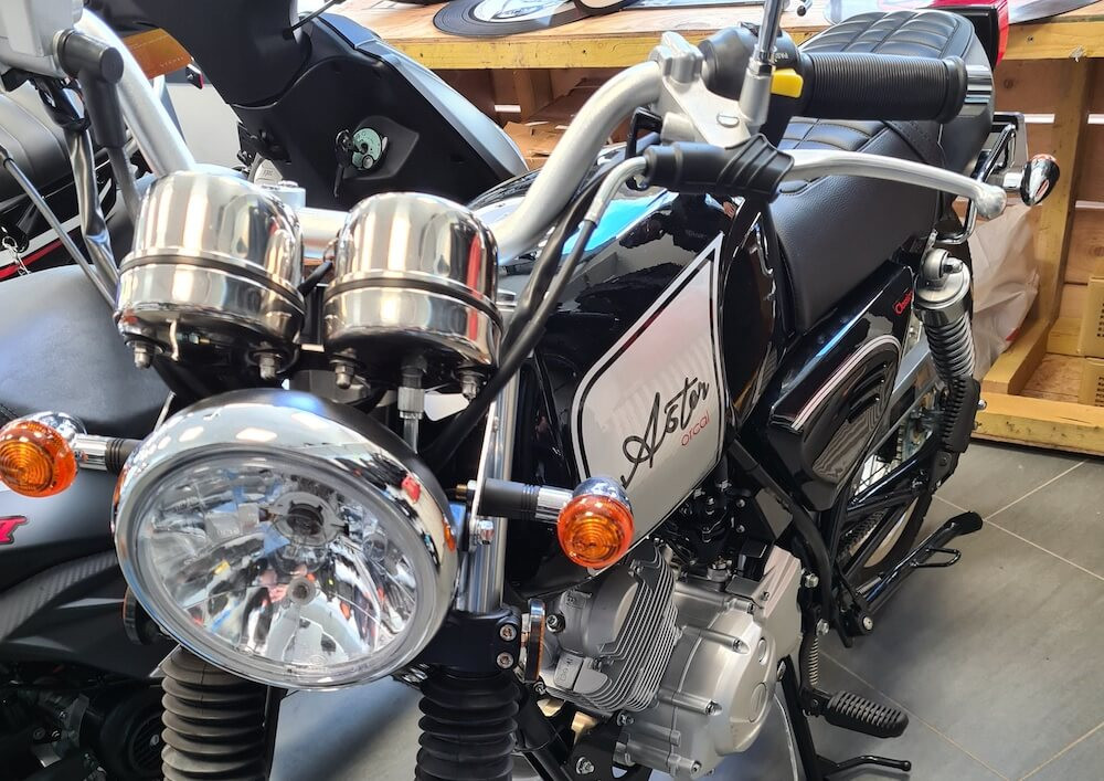 Nantes Orcal Astor 125 scooter rental 14542
