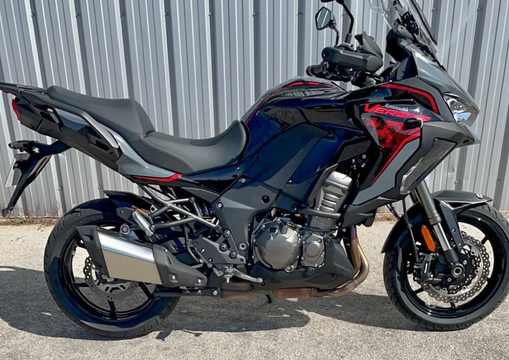 Marseille Kawasaki Versys 1000 SE motorcycle rental 13093