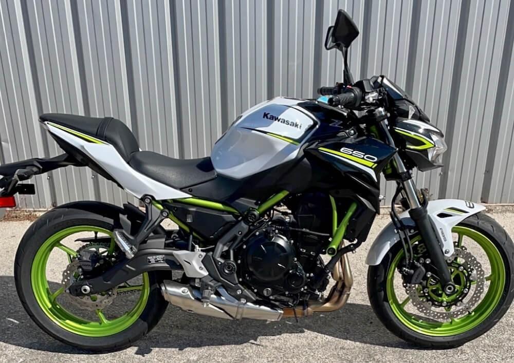 Marseille Kawasaki Z650 A2 motorcycle rental 13112