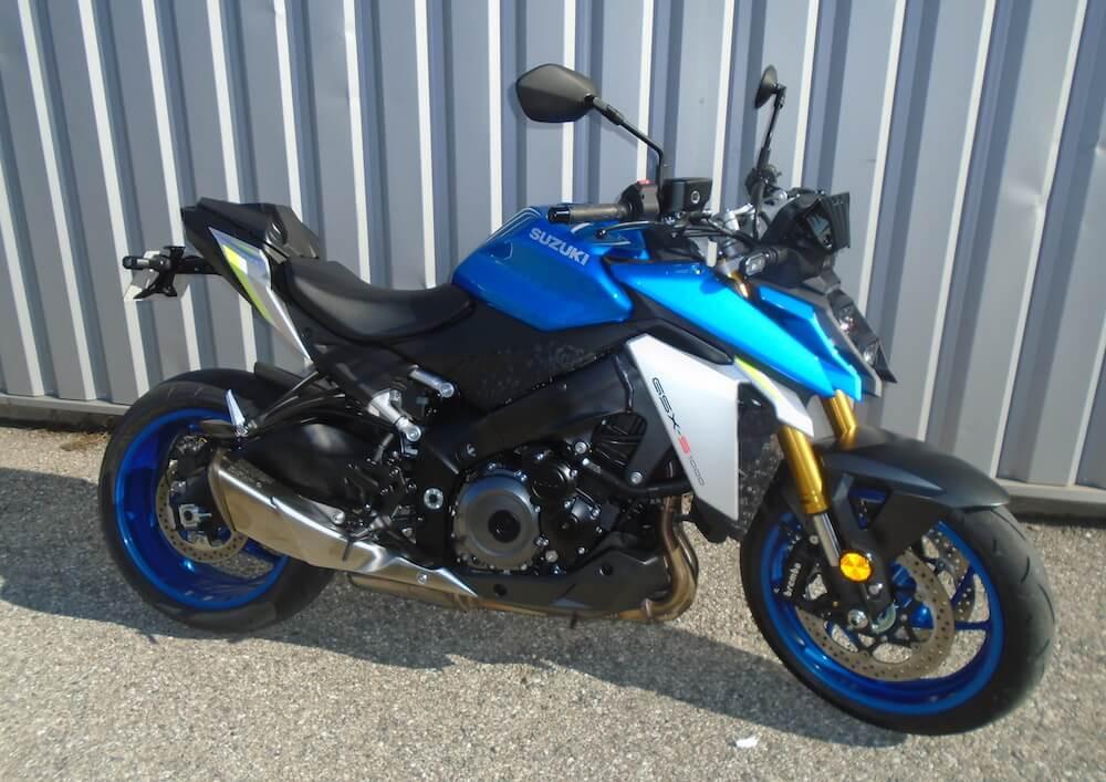 Valence Suzuki GSX-S 1000 motorcycle rental 15727