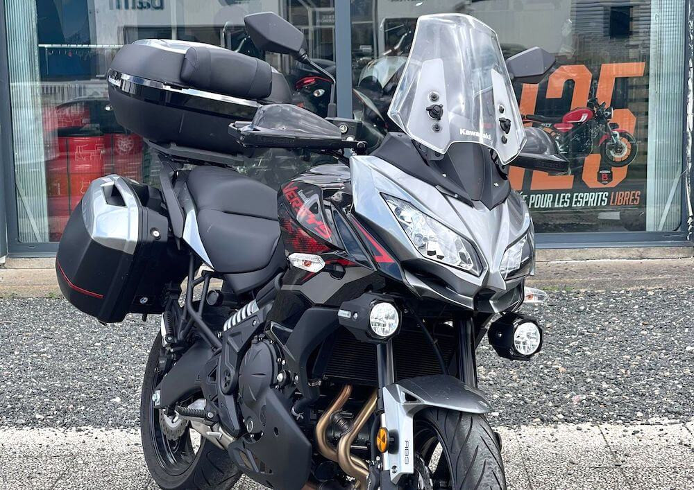 Châteauroux Kawasaki 650 Versys motorcycle rental 15834