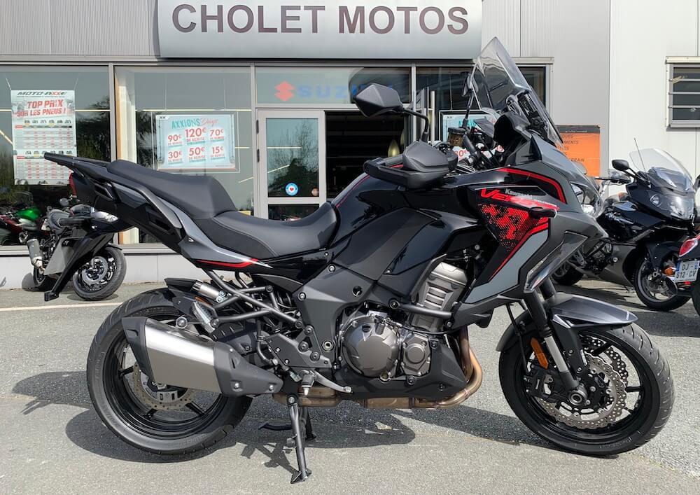 Cholet Kawasaki Versys 1000 motorcycle rental 14601