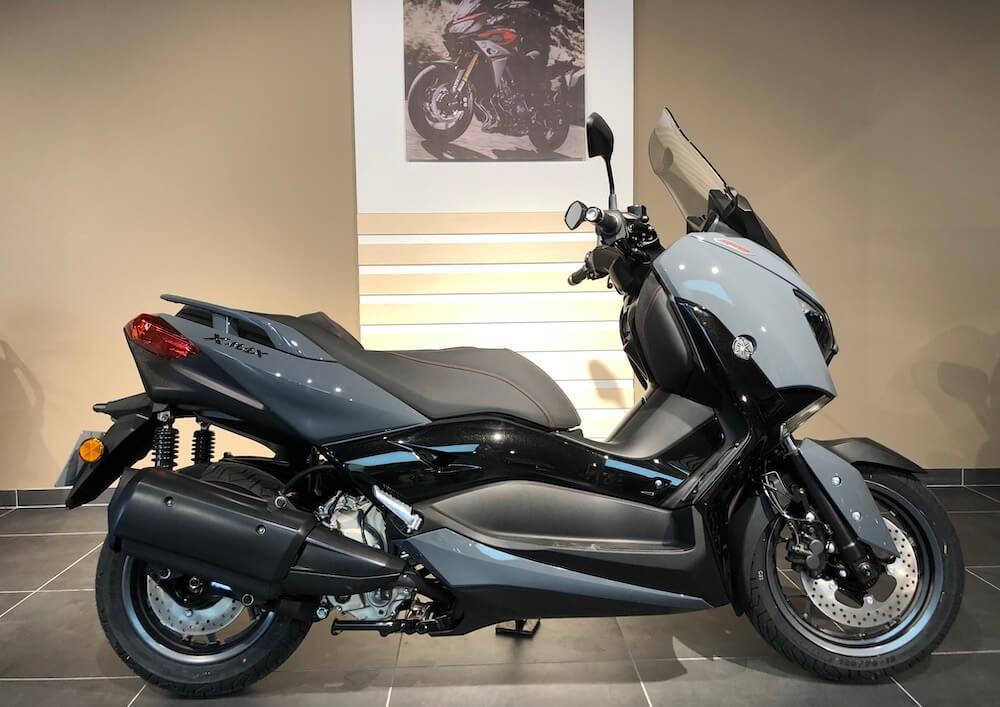 Manosque Yamaha XMAX 300 scooter rental 14441