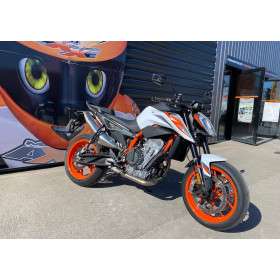 motorcycle rental KTM 890 Duke R