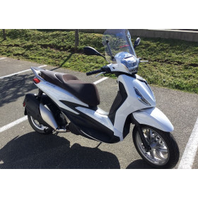 motorcycle rental Piaggio Beverly 400 HPE