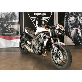 motorcycle rental Triumph Street Triple S A2