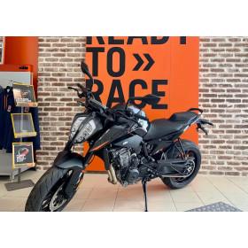 motorcycle rental Ktm 890 Duke L A2