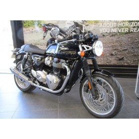 motorcycle rental Triumph Thruxton 1200