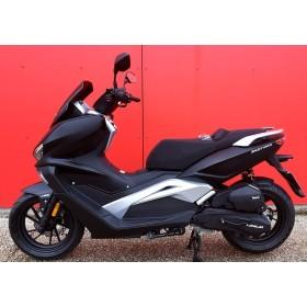 motorcycle rental Longjia Easy Max 125