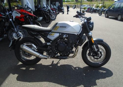 Rodez Brixton Crossfire 500 motorcycle rental 14785