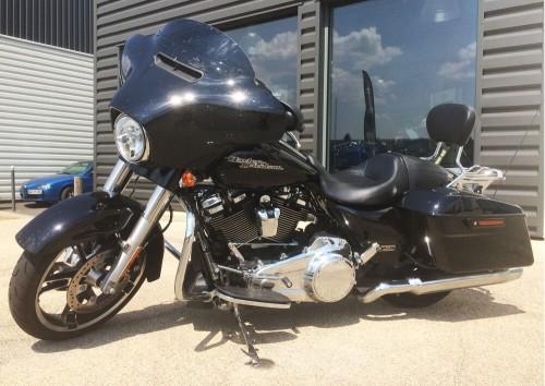 location moto Poitiers harley davidson Dyna Switchback 1