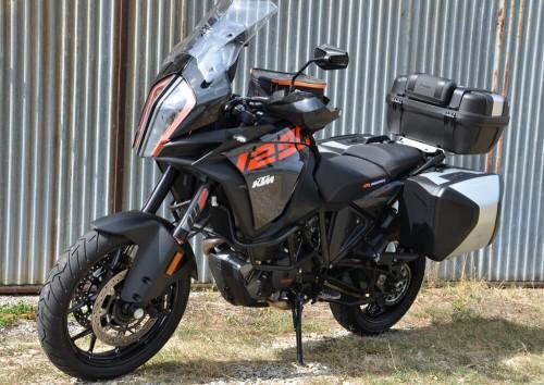 Location moto Valence KTM Supermotarde 690 1
