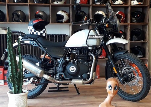 Location moto Saint-Lô Triumph Bonneville 1