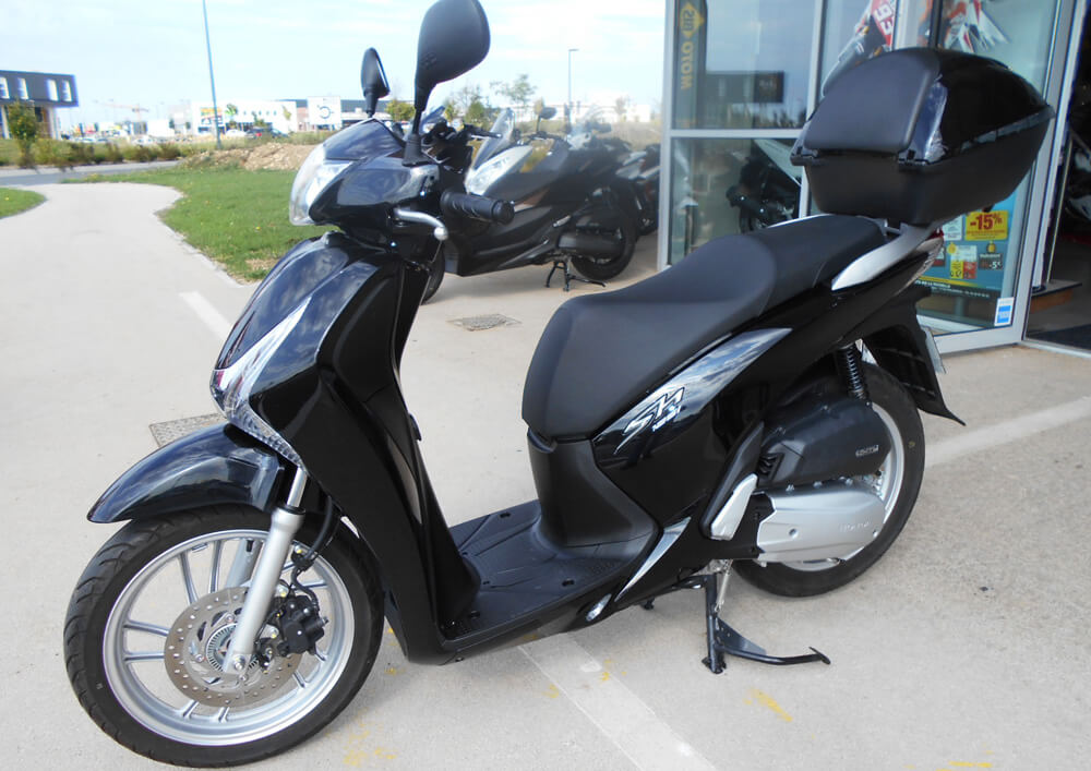 location honda sh125i la rochelle easy renter. Black Bedroom Furniture Sets. Home Design Ideas