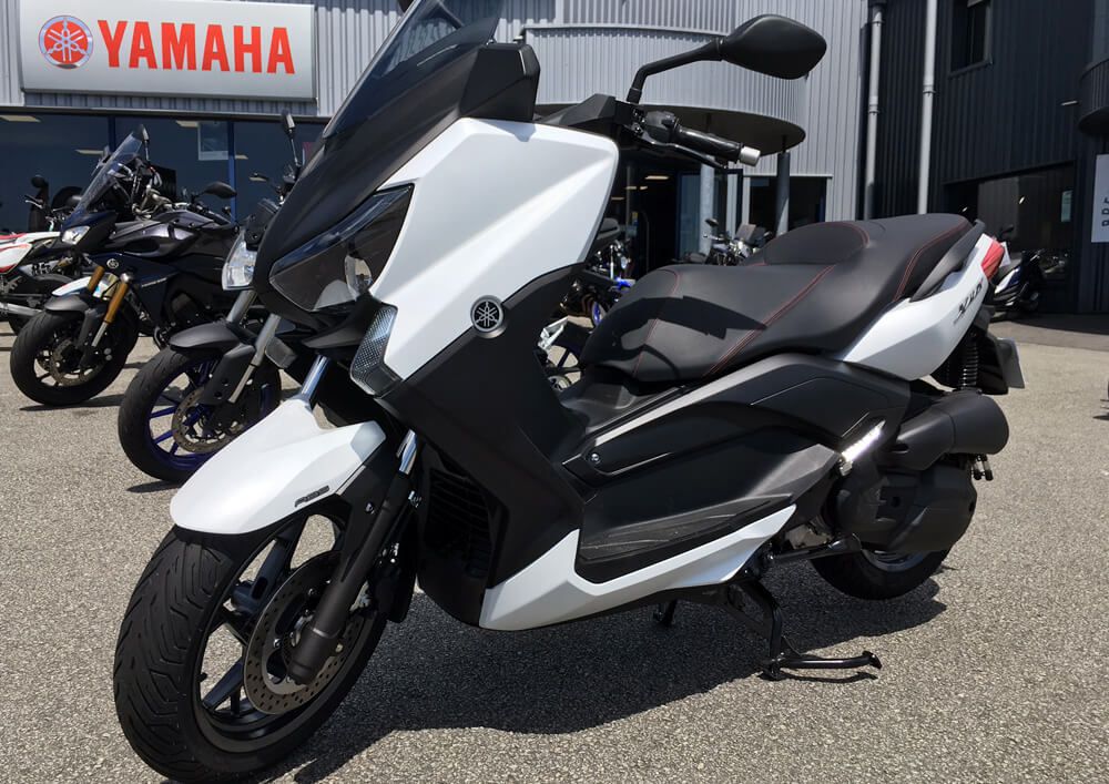 Location scooter vannes yamaha 125 xmax easy renter - Comment recuperer sa caution ...